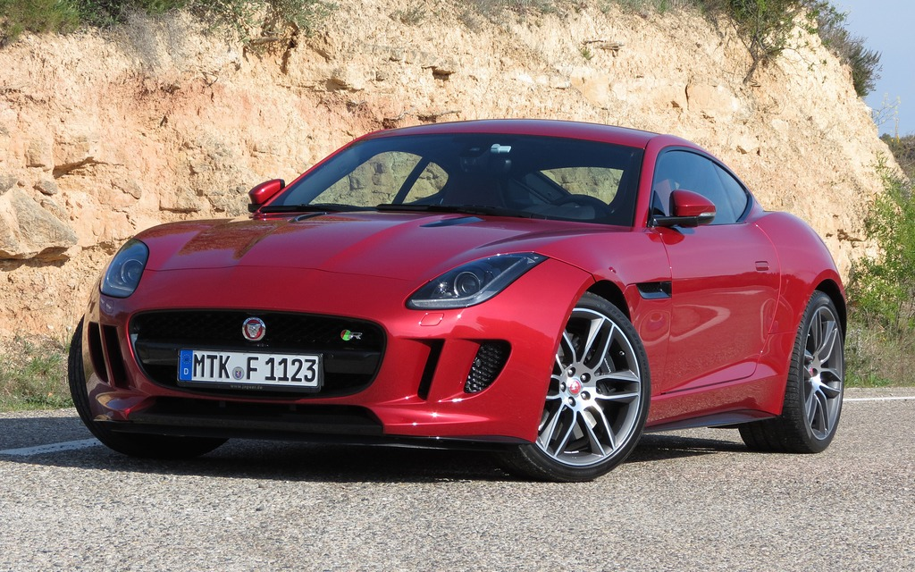2015 jaguar f type coupe a regal beast with sharper claws review the car guide. Black Bedroom Furniture Sets. Home Design Ideas