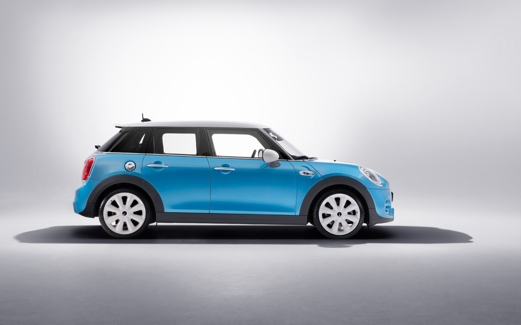 mini cooper 5 portes 2015 galerie photo 4 15 le guide de l 39 auto. Black Bedroom Furniture Sets. Home Design Ideas