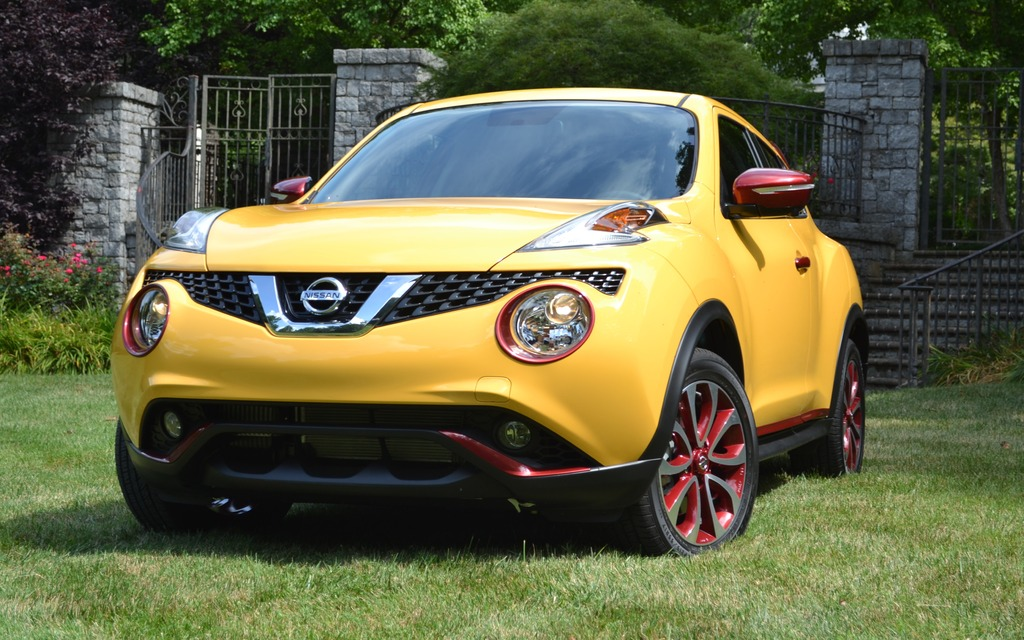 nissan juke 2015 images exclusives guide auto. Black Bedroom Furniture Sets. Home Design Ideas