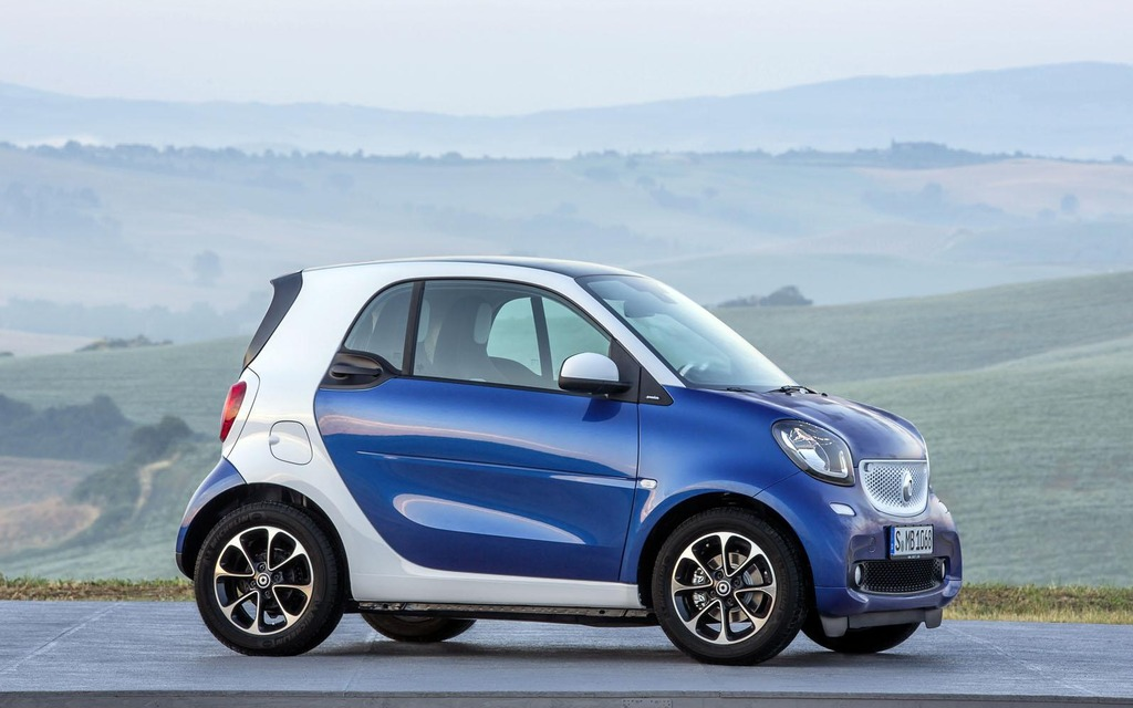 2015 smart fortwo picture gallery photo 5 20 the car. Black Bedroom Furniture Sets. Home Design Ideas