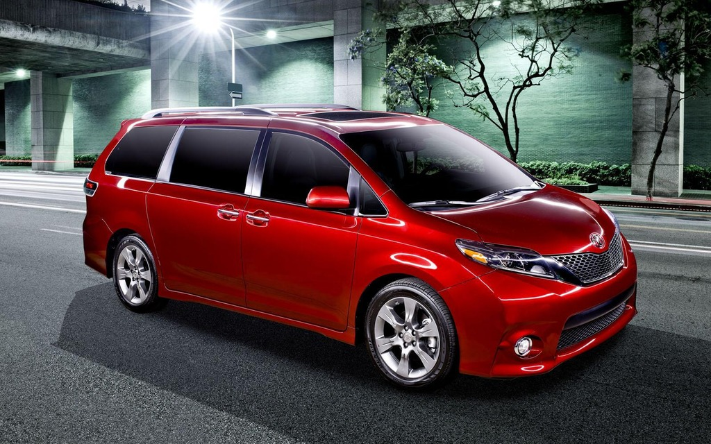 new models toyota unveils the 2015 sienna 2015 toyota sienna the car guide. Black Bedroom Furniture Sets. Home Design Ideas
