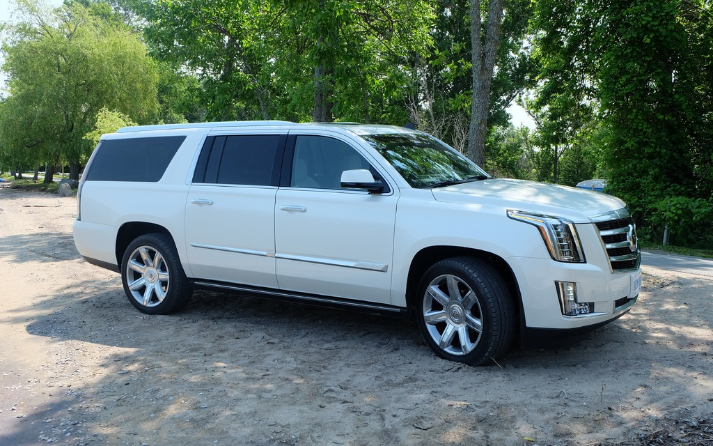 2015 cadillac escalade ext performance review 2017 2018 best cars reviews. Black Bedroom Furniture Sets. Home Design Ideas