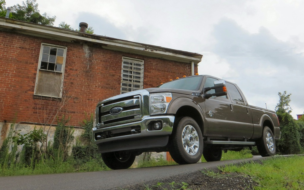 2015 ford f series super duty back at the top review. Black Bedroom Furniture Sets. Home Design Ideas