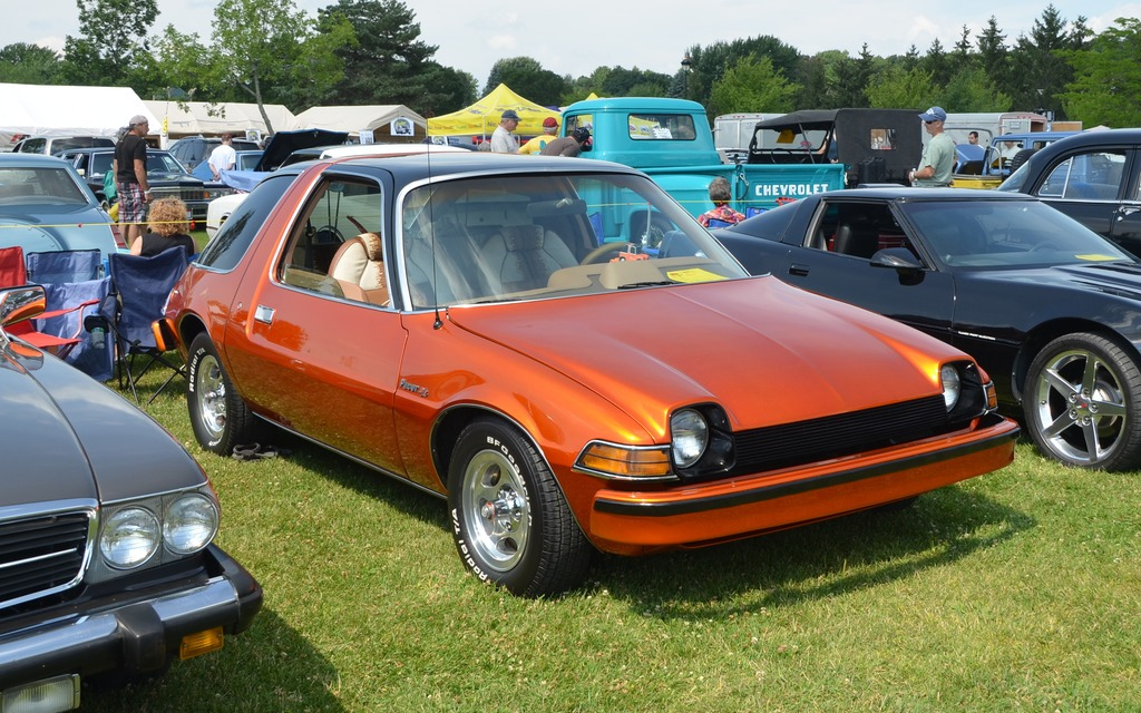 amc pacer 1977 c 39 est dr le mais elle est plus belle aujourd 39 hui que dans le temps galerie. Black Bedroom Furniture Sets. Home Design Ideas