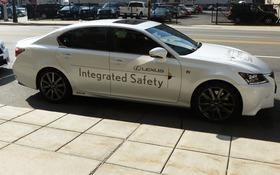 Lexus GS450h de production utilisée pour démontrer les systèmes AHDA