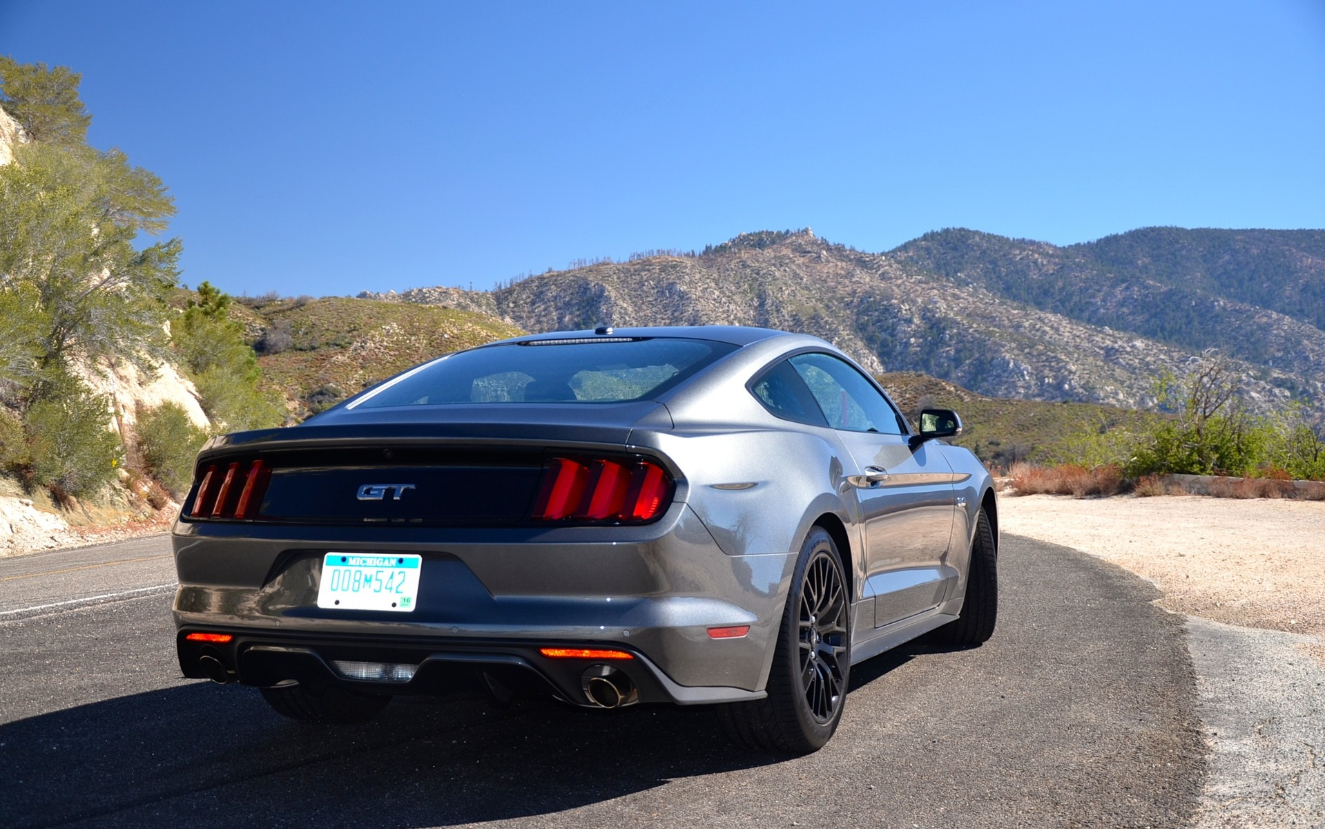 2015 ford mustang gt coupe on angeles crest highway near los angeles picture gallery photo. Black Bedroom Furniture Sets. Home Design Ideas