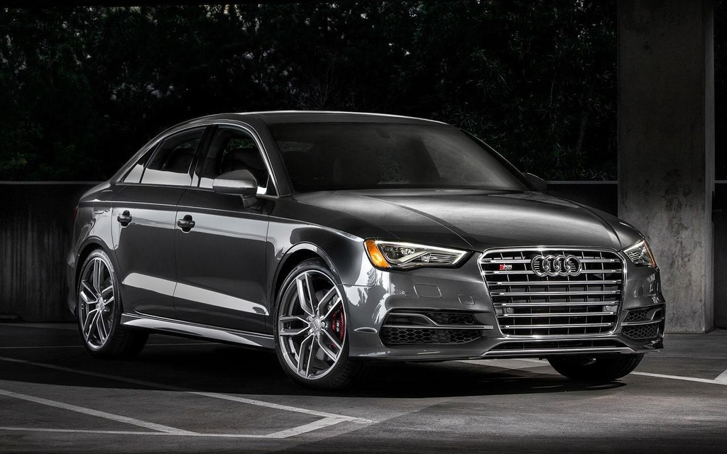 http://images.passionperformance.ca/photos/1/7/2/172073_L_Audi_S3_Limited_sera_limitee.jpg
