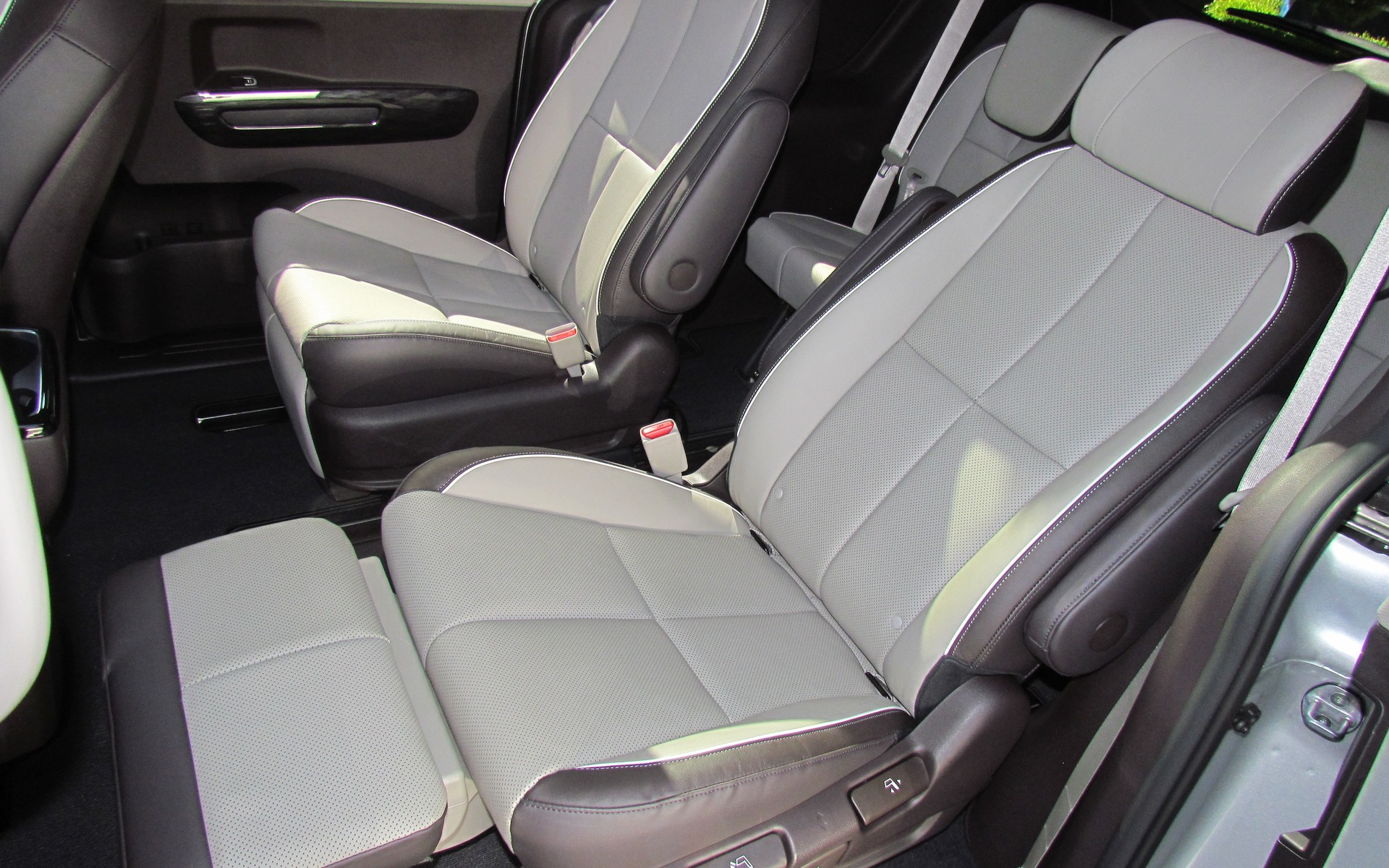 new 2015 car with reclining seats autos post. Black Bedroom Furniture Sets. Home Design Ideas