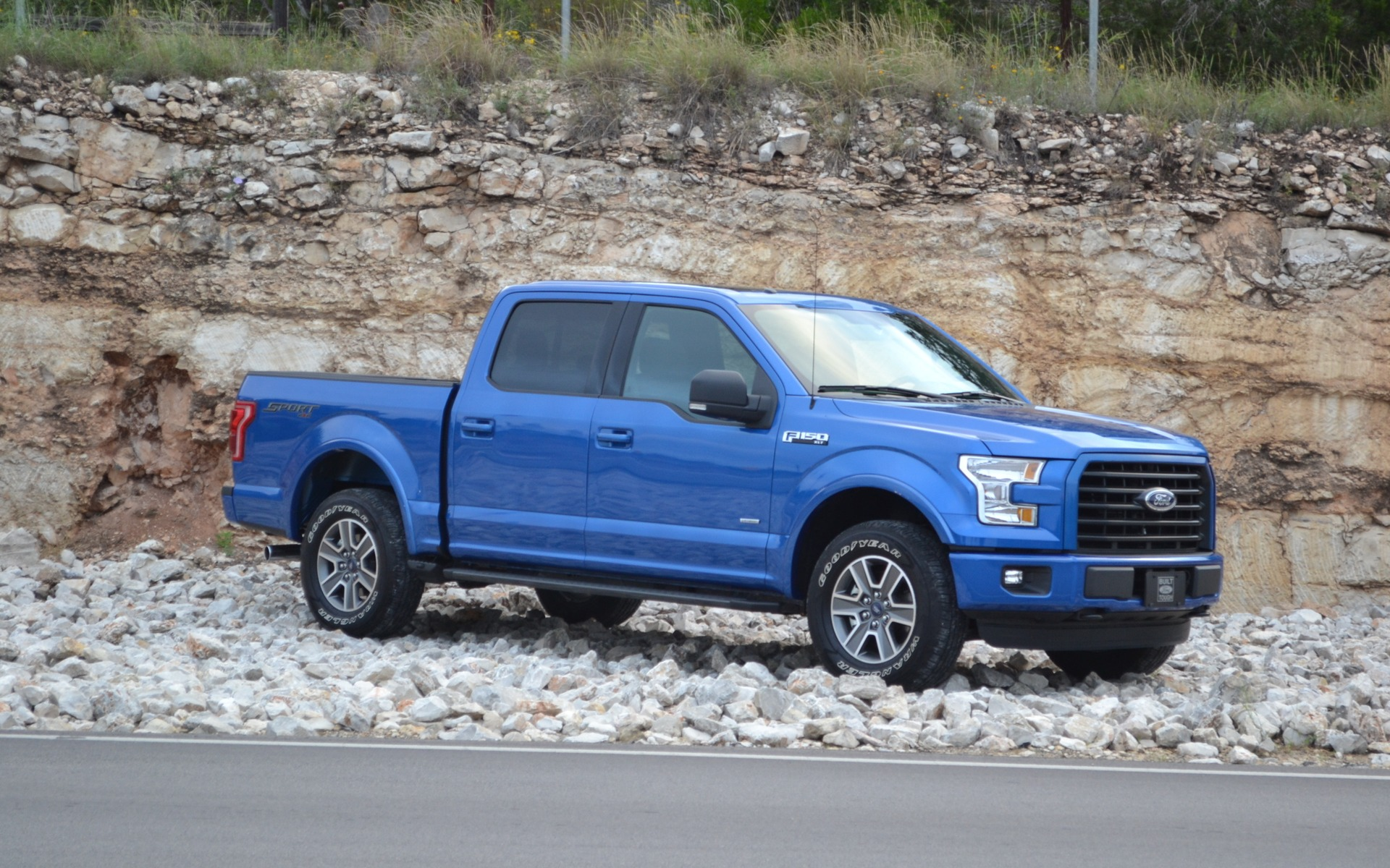 2015 ford f 150 punching above its weight review the car guide. Black Bedroom Furniture Sets. Home Design Ideas