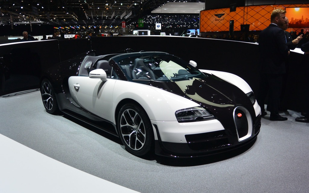 bugatti veyron picture gallery photo 4 4 the car guide. Black Bedroom Furniture Sets. Home Design Ideas