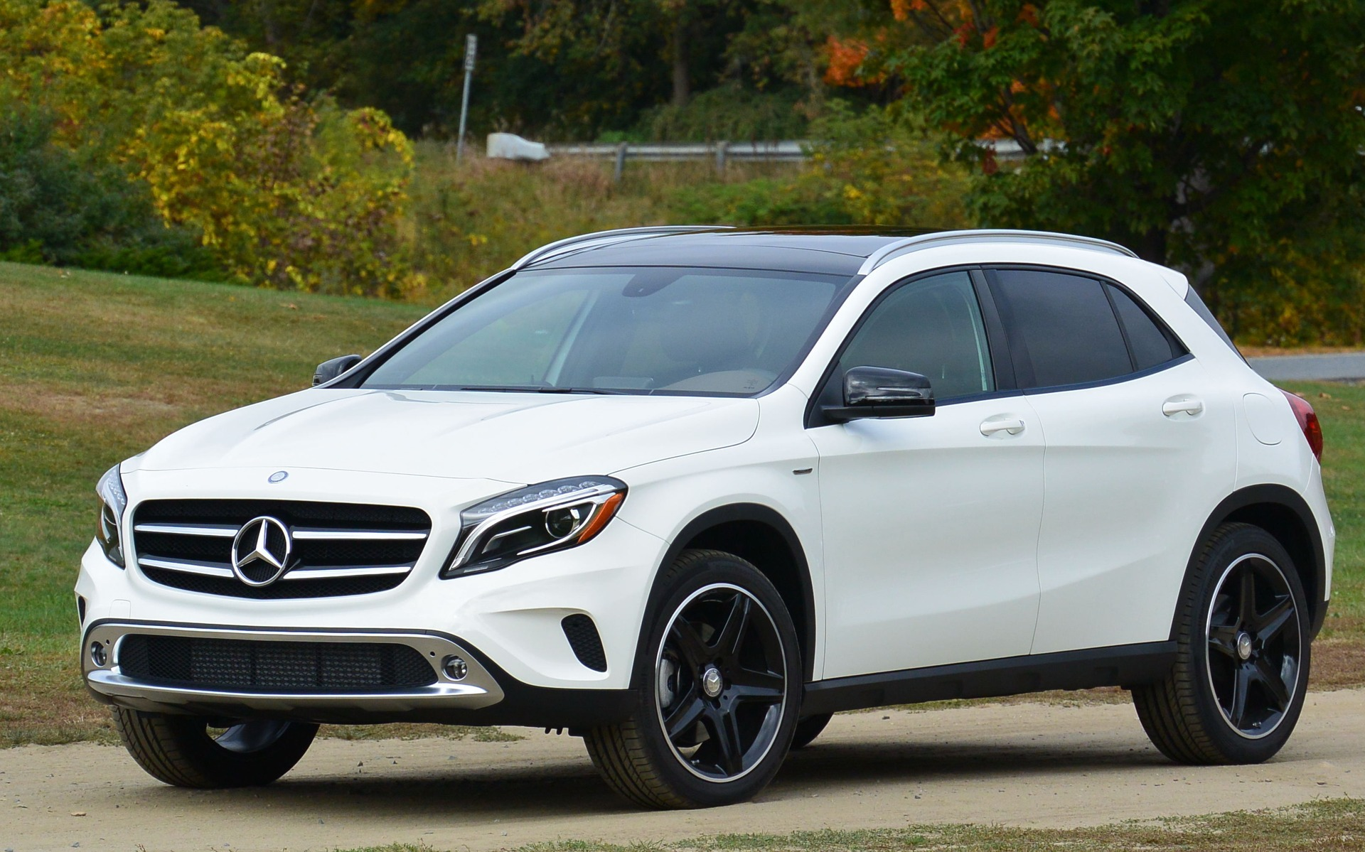 2015 mercedes benz gla practical or sporty review for Sporty mercedes benz