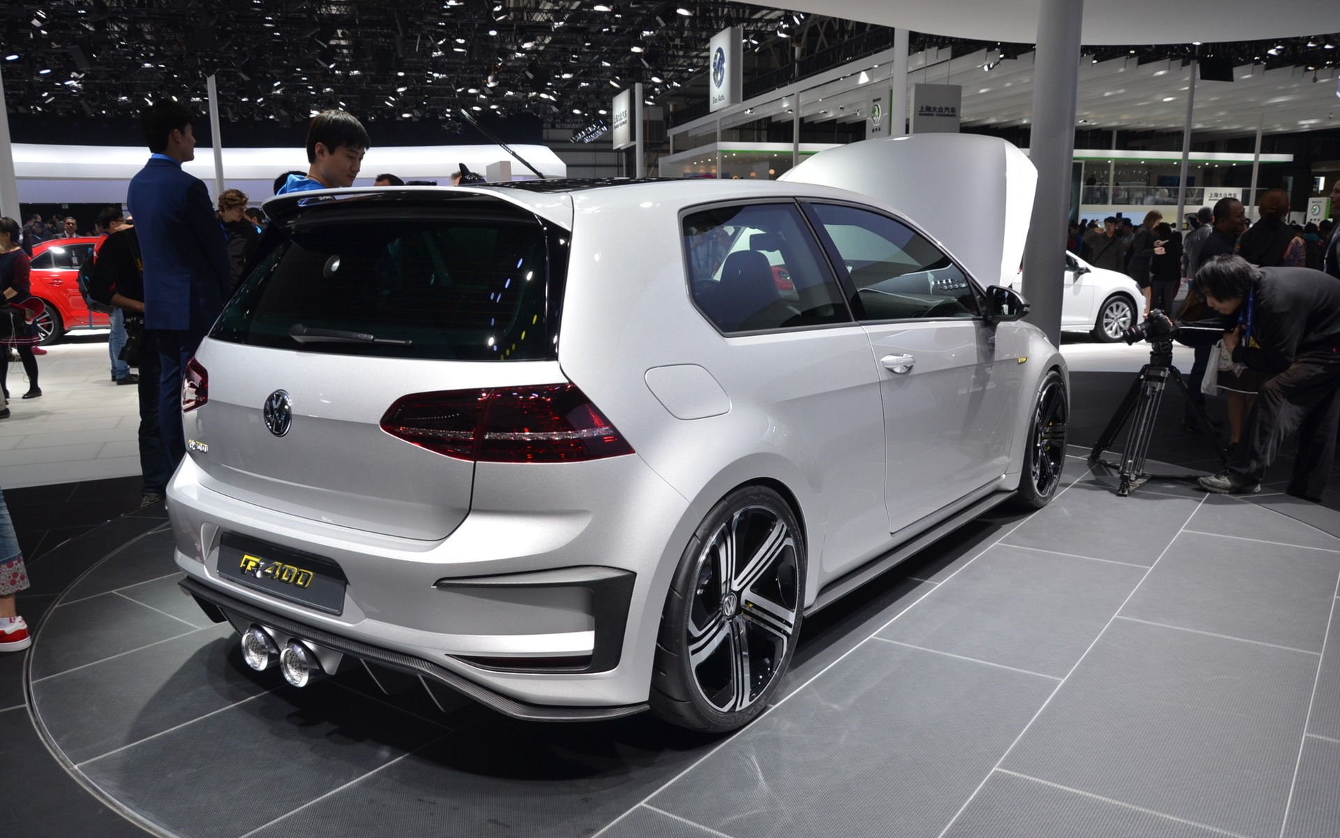 volkswagen golf r400 galerie photo 4 5 le guide de l 39 auto. Black Bedroom Furniture Sets. Home Design Ideas