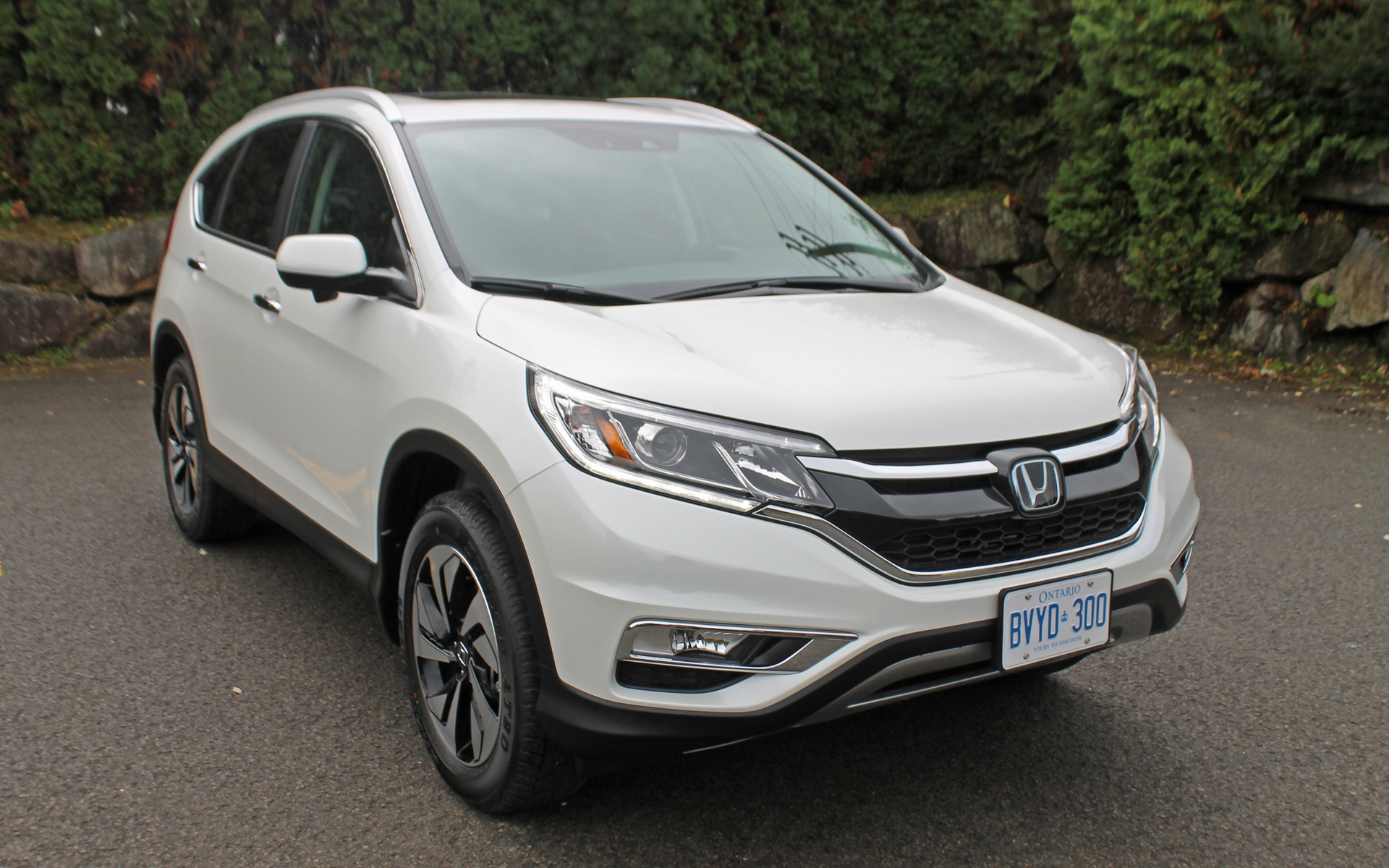 2015 honda cr v finally a bold move review the car guide. Black Bedroom Furniture Sets. Home Design Ideas