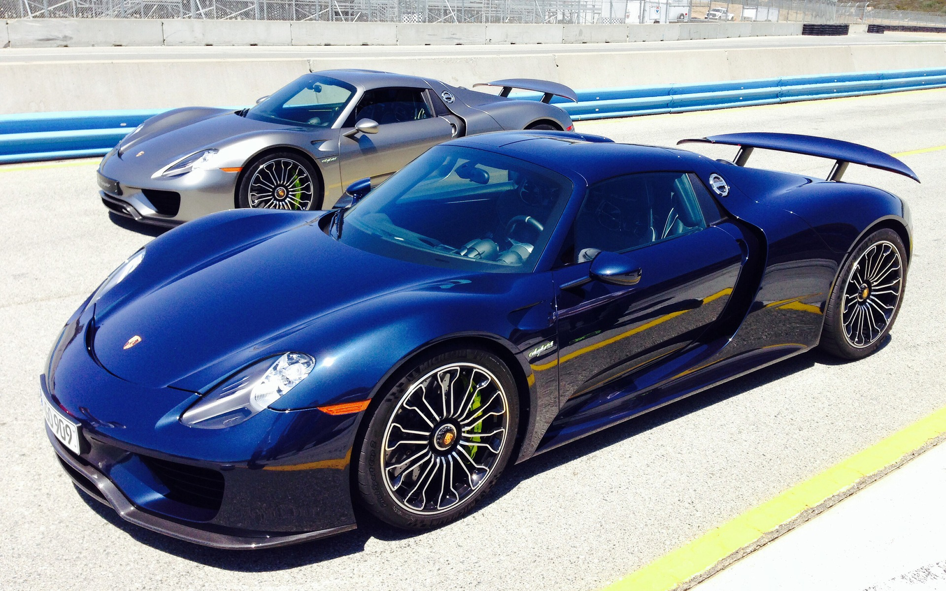 porsche 918 spyder news production run complete page 10 page 9 acurazine acura enthusiast community - Porsche 918 Spyder Blue Flame