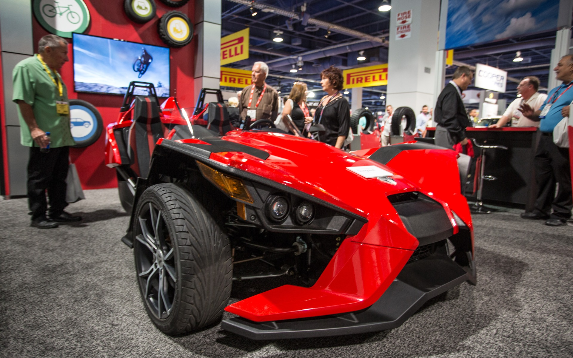 la polaris slingshot galerie photo 17 18 le guide de l 39 auto. Black Bedroom Furniture Sets. Home Design Ideas