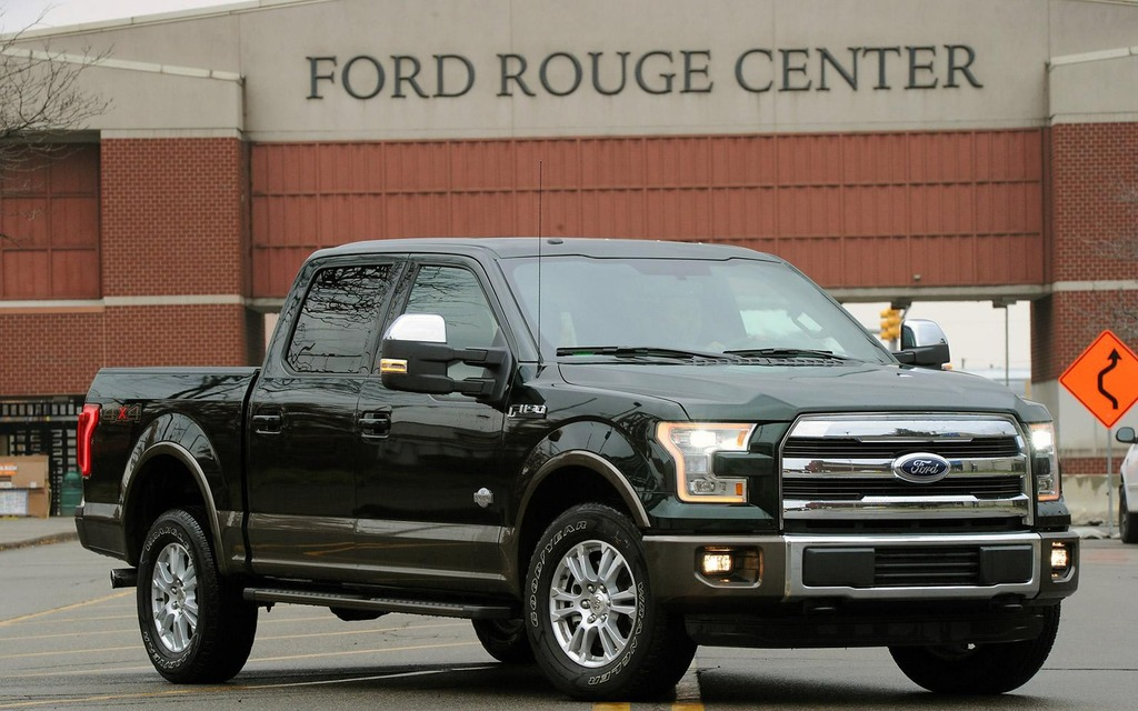 La production du Ford F-150 est amorcée - Ford F-150 2015 ...