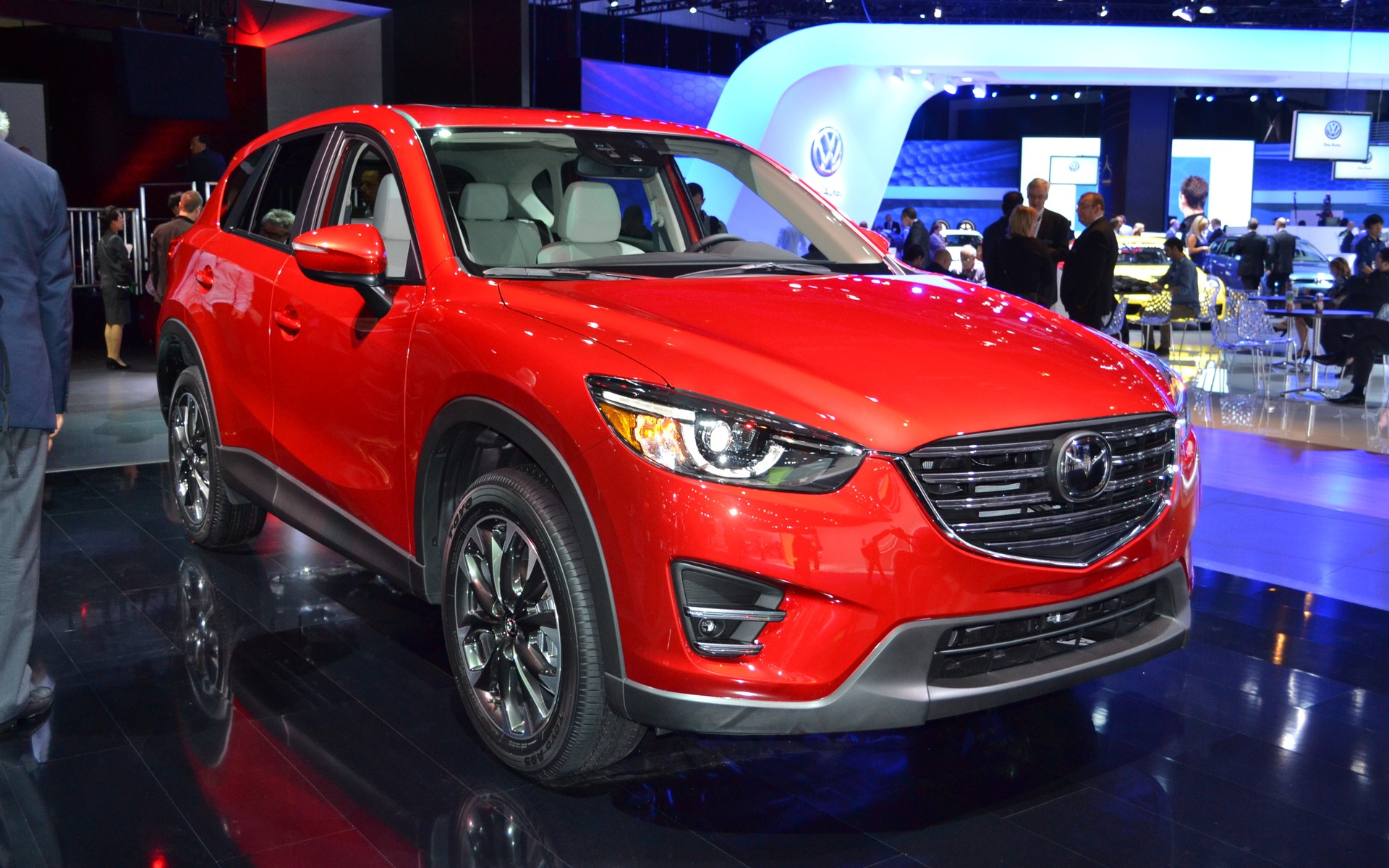 2016 Mazda CX5  Picture Gallery, photo 1/10  The Car Guide