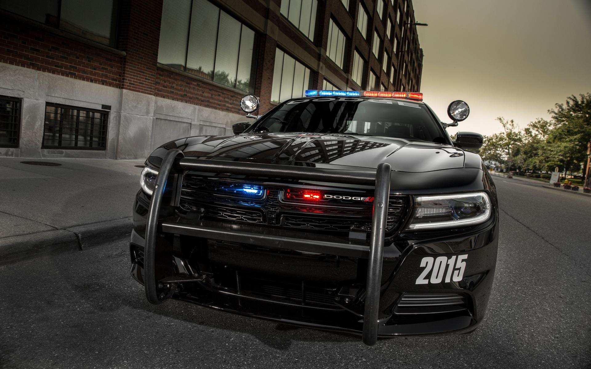 Cop Cars For Sale >> Which Is The Best Cop Car? - Dodge Charger - Ford Taurus - Chevrolet Impala - The Car Guide