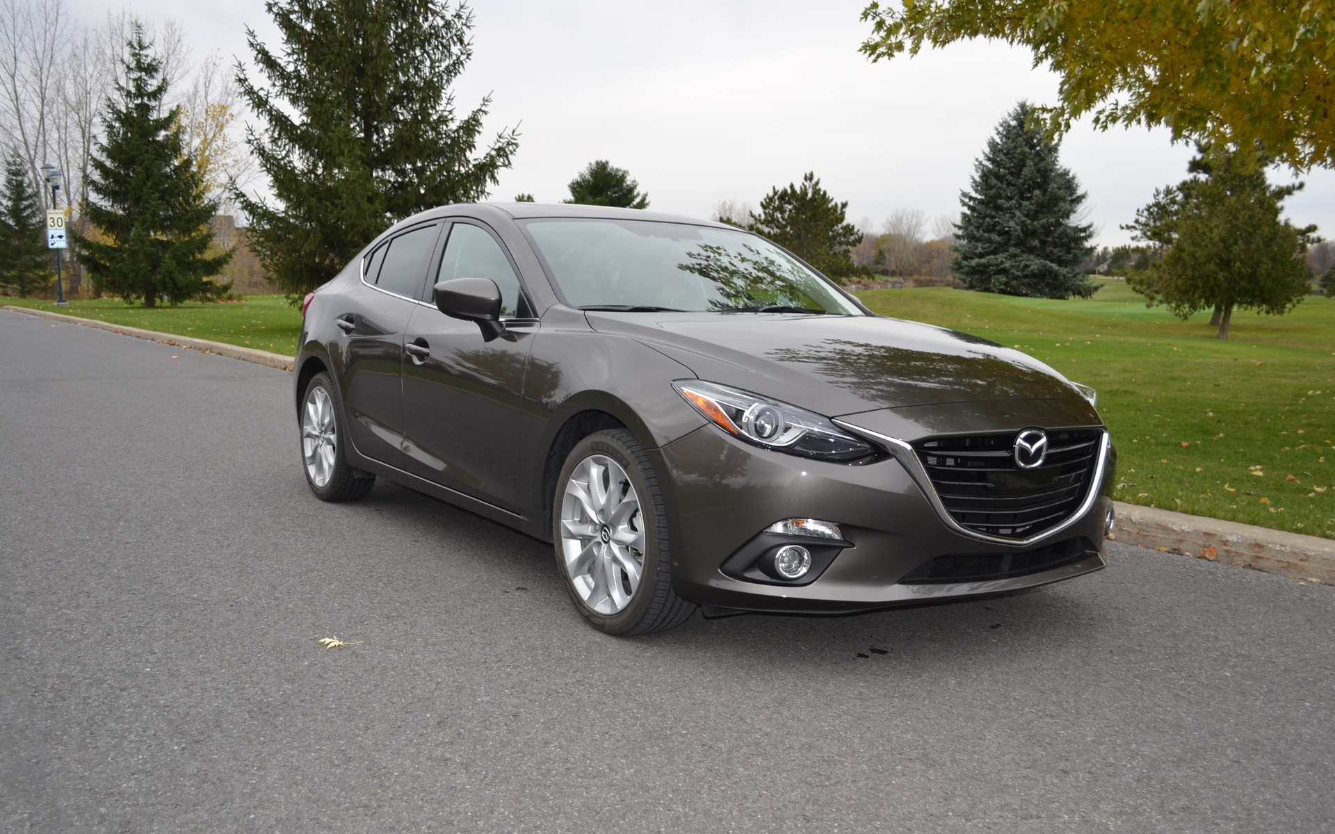 2015 mazda3 gt waiting for the next mazdaspeed3 review 2015 mazda 3 the car guide. Black Bedroom Furniture Sets. Home Design Ideas