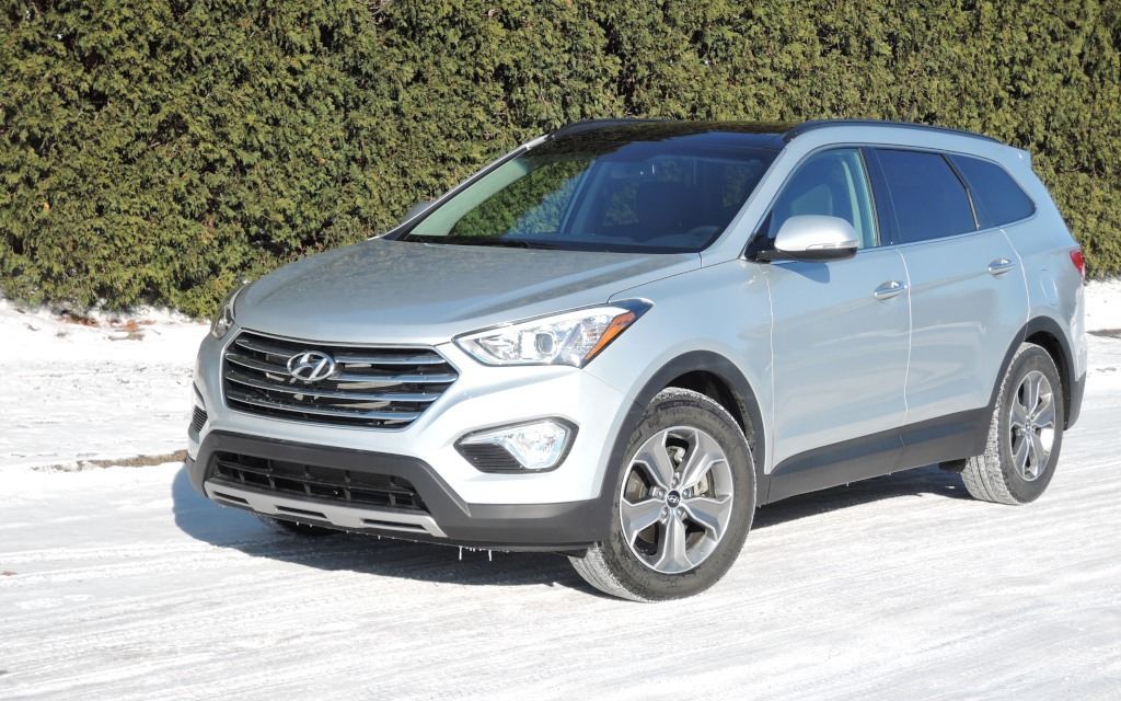 2015 hyundai santa fe balance from top to bottom review the car. Black Bedroom Furniture Sets. Home Design Ideas