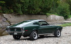 Ford Mustang GT 1968. Le style fastback à son meilleur! Les pneus (6,95 x 14) cachent des disques à l'avant et des tambours à l'arrière