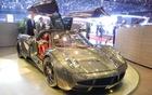 Pagani Huayra. Carrosserie entièrement en fibre de carbone.