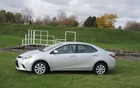 La voiture est plus basse, ce qui lui donne un air plus moderne.