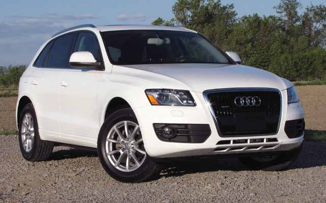 Wallpapers For Q5. 2010 Audi Q5 Pictures