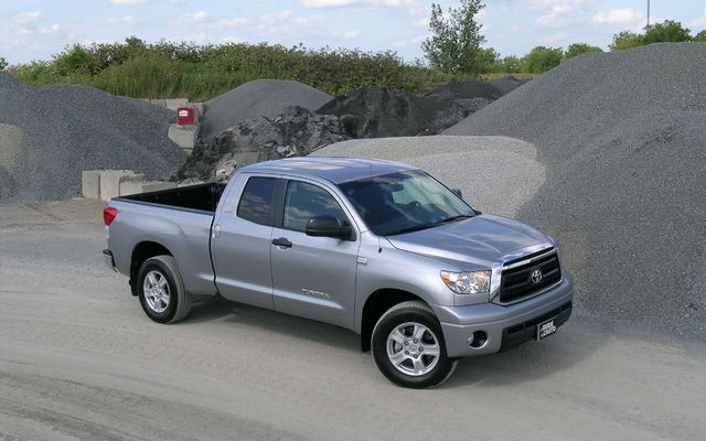 2010 toyota tundra tests news photos videos and wallpapers the car guide. Black Bedroom Furniture Sets. Home Design Ideas
