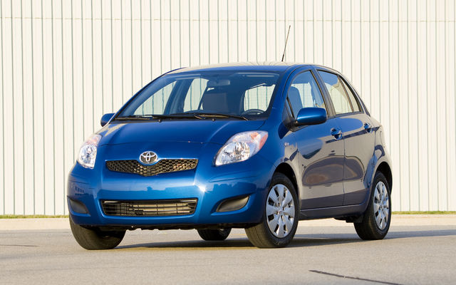 2010 toyota yaris tests news photos videos and wallpapers the car guide. Black Bedroom Furniture Sets. Home Design Ideas