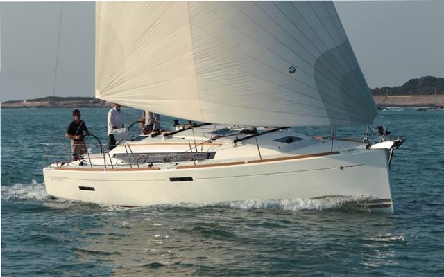 Jeanneau Sun Odyssey 379 2012