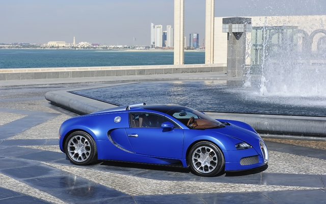 2011 bugatti veyron tests news photos videos and wallpapers the car guide. Black Bedroom Furniture Sets. Home Design Ideas