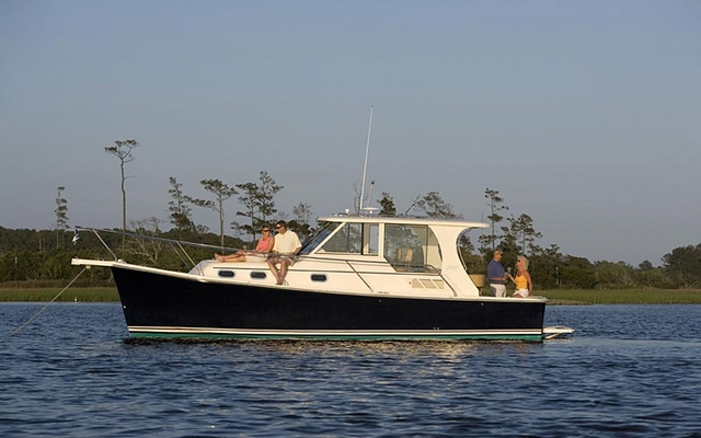 2012 Mainship 355 Pilot