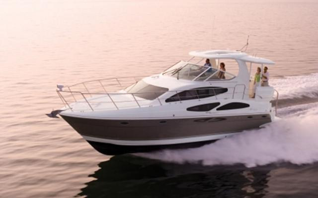 2012 Cruisers 415 Express Motoryacht