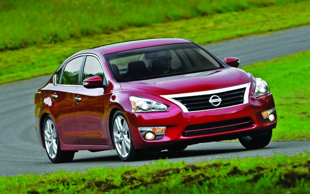 2013 nissan altima 2 5 sedan price engine full technical specifications the car guide. Black Bedroom Furniture Sets. Home Design Ideas