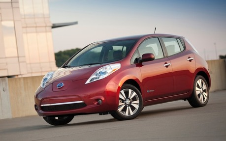 nissan leaf 2015 essais nouvelles actualit s photos vid os et fonds d 39 cran le guide de. Black Bedroom Furniture Sets. Home Design Ideas