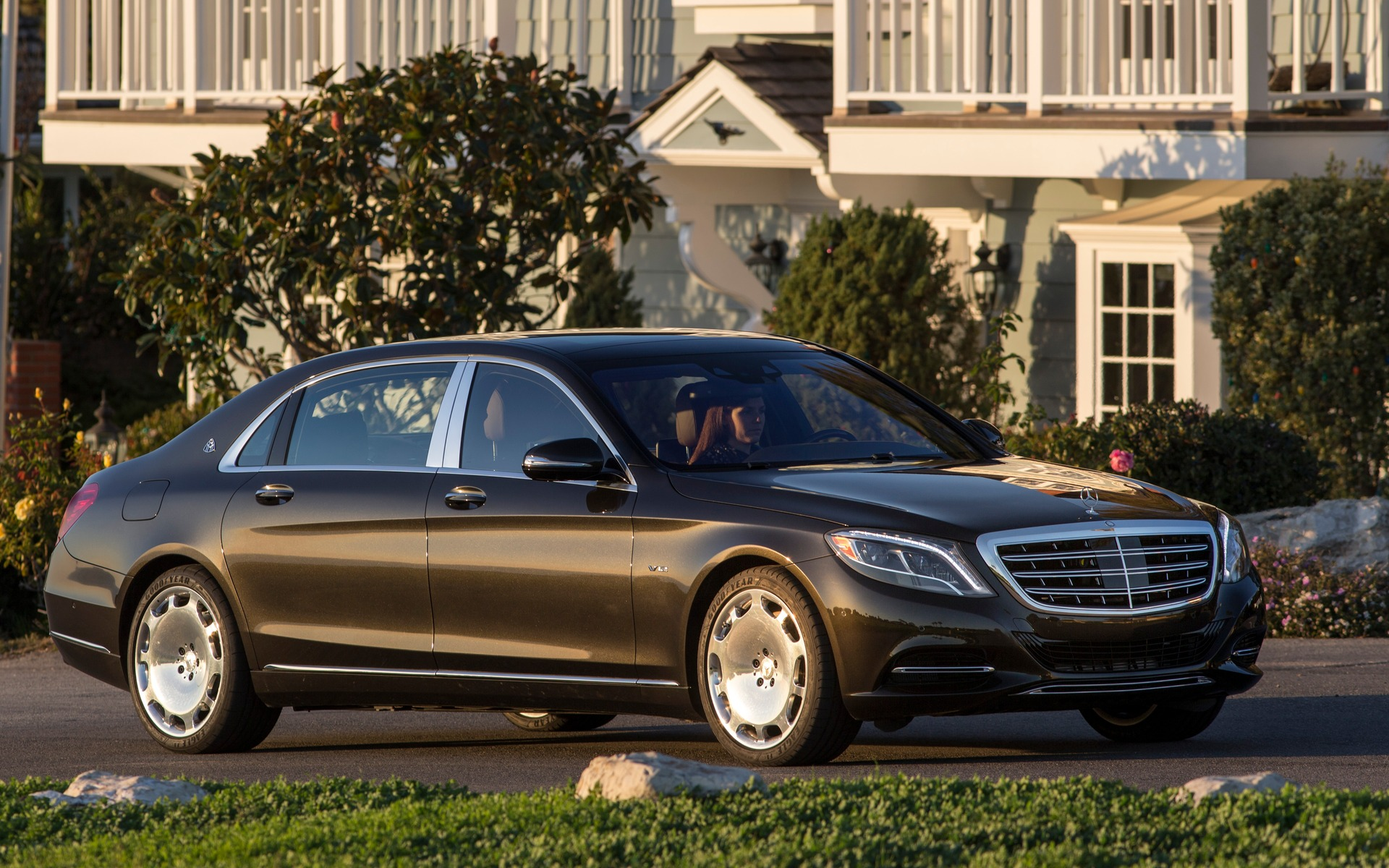 2016 mercedes benz maybach picture gallery photo 1 10 for Mercedes benz vehicle search