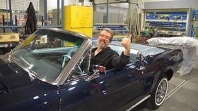 Le gagnant de la Mustang 1967 voit sa voiture pour la première fois!