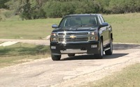 2014 Chevrolet Silverado High Country Trailer (en anglais)
