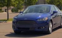 2013 Ford Fusion Energi Trailer